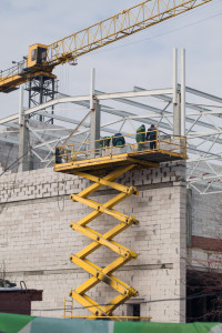 Scissor lift assembling for construction of buildings